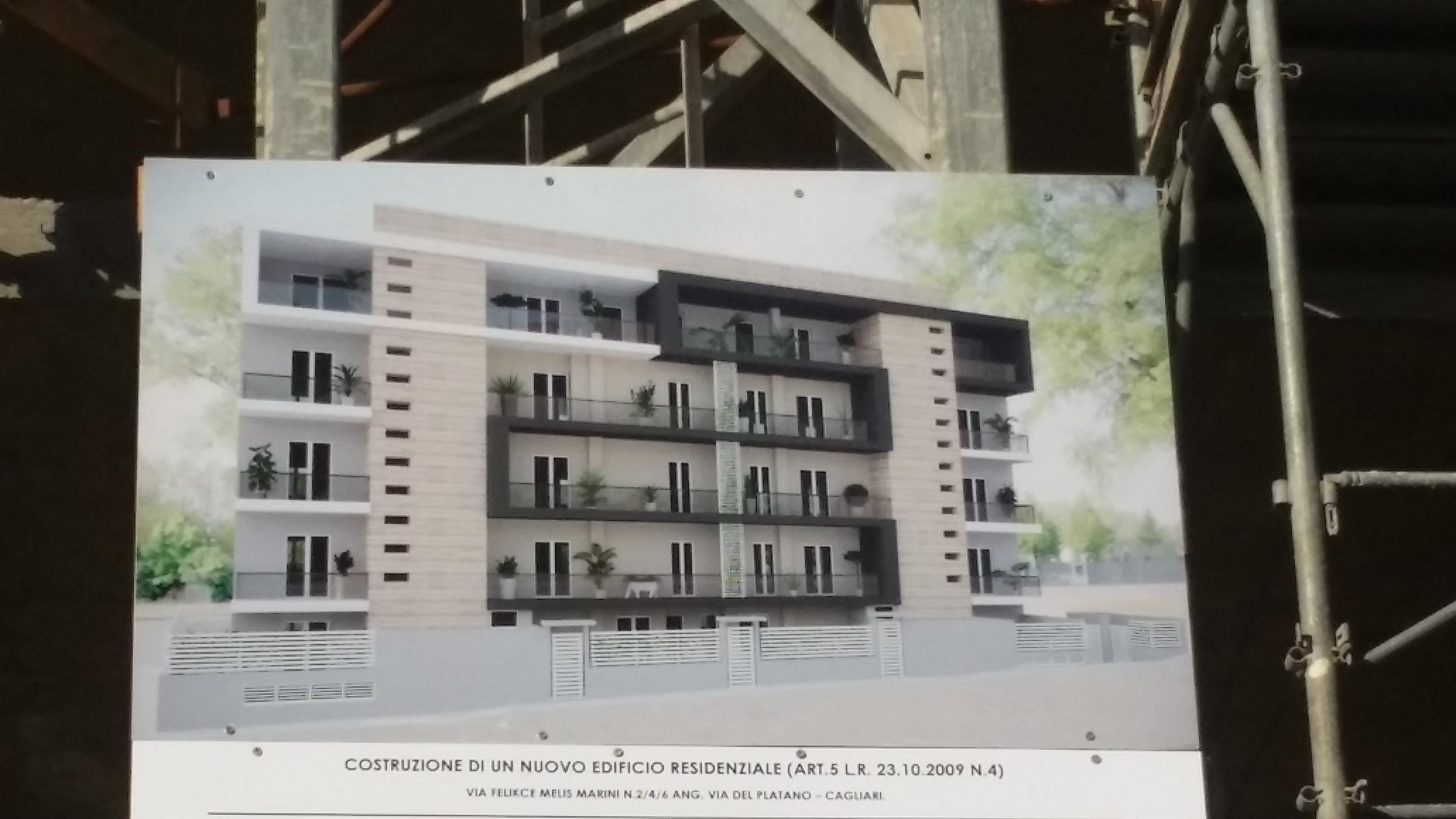Cagliari: infissi in legno per il nuovo intervento di via Marini